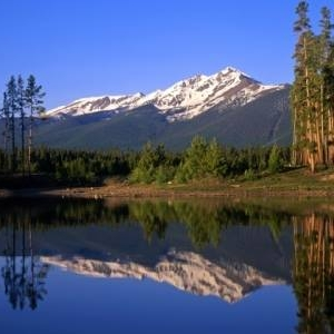 still water lake reflection colorado frisco breckenridge ski resort fall is coming